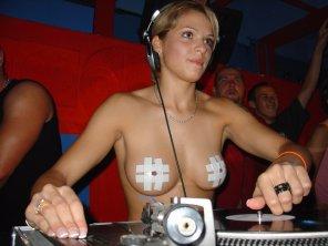 amateur photo DJ Niki Belucci