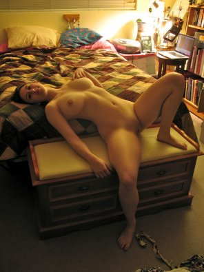 amateur photo Naked on the bed
