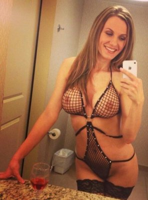 amateur photo Fishnet milf.