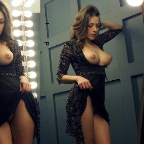 amateur photo Dress Lift
