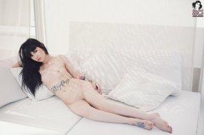 amateur photo Arwen Suicide