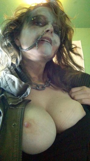 amateur photo I went toa Mad Max costume party. Don't worry, the other guy looks worse [F]