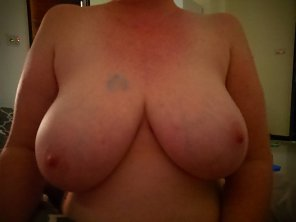 amateur photo Morning boob. Tell me what you would do with them!