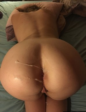 amateur photo Warm jizz on her fuckable ass