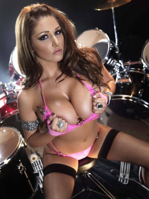 amateur photo Rock chick Lucy Pinder