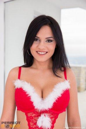 amateur photo Aida Sweet gets an anal treatment enjoy