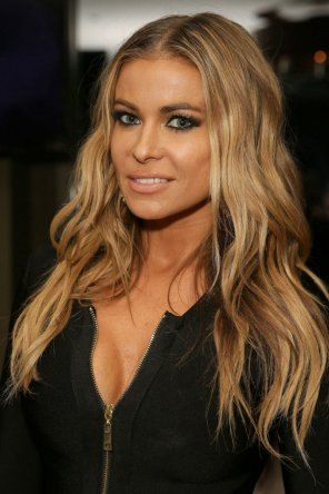 amateur photo Carmen Electra.....for years