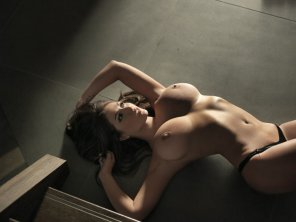 amateur photo Lucy Pinder on the floor