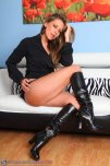 amateur photo Sexy brunette in leather boots