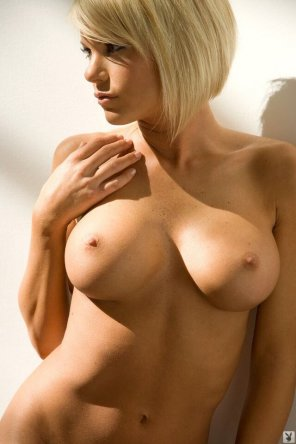 amateur photo Serious blonde