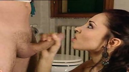 Fucked in the Toilet - scene 12