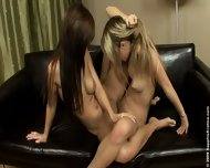 Angelica and Beatrice Oral Duo - scene 10