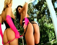 Deep Holes Of Audrey Bitoni And Mackenzee Pierce - scene 2