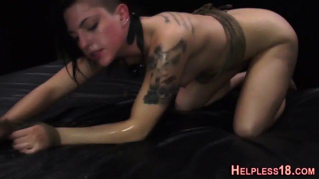 Fetish slut gives bdsm bj