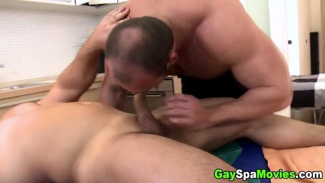 Bear masseur barebacked