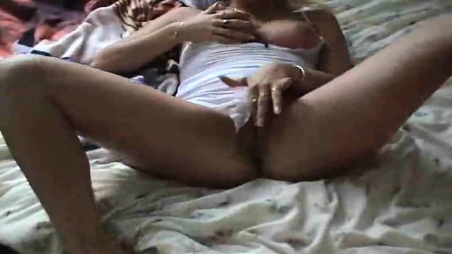 Dutch Girl masturbating for you