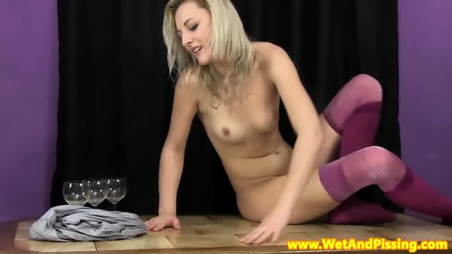 Stockinged watersports gal solo piss show