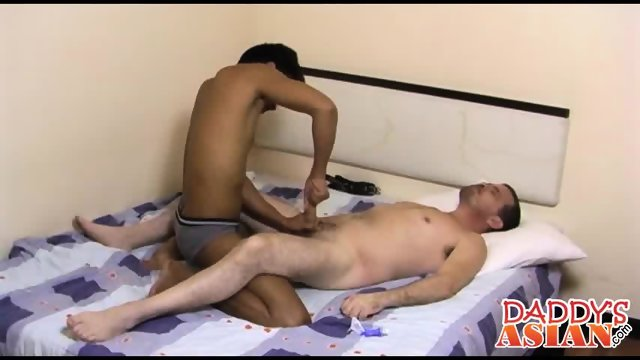 Daddy getting a whole lot of minutes of pure erotic massage - scene 6