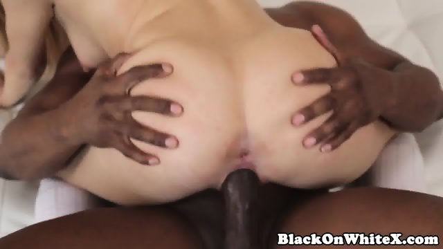 Alluring girlfriend pussyfucked on couch 3