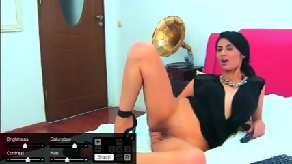 Brunette Milf Fingering And Masturbating On Webcam - scene 1