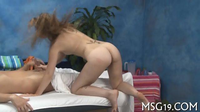 Blondie banged in a massage room
