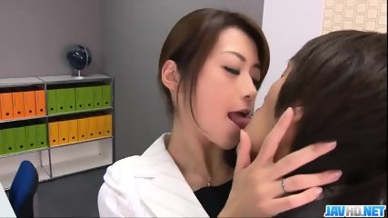 Subtitles - Beautiful Maki Hojo Fucked Hard In Office - scene 2