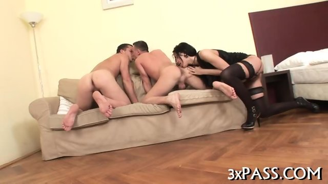 Threesome bisex action