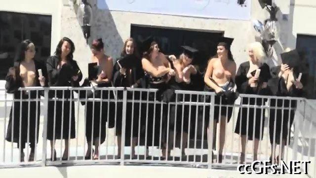 Teen girls practice lesbian sex