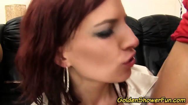 Massage lesbios horne masturbatian