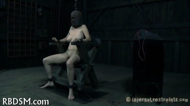 Shocking chick s lusty twat