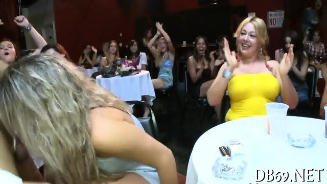 Hand up dress sex video