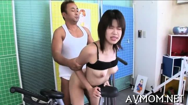 Deperate slut mom needs her lollipop - scene 9