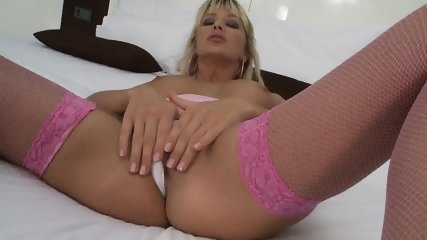 Very Hot Busty Chick Toy - scene 2