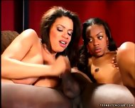 Interracial Sex In Threesome