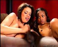 Interracial Sex In Threesome