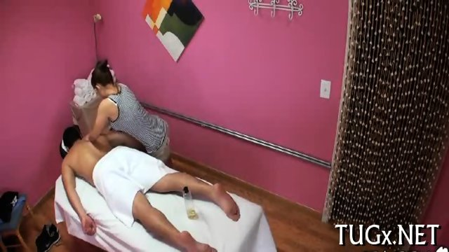 Massage room exposes sex scene