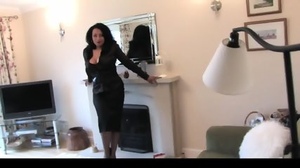 Thick Ebony English MILF Seducing, Teasing And Showing Off - scene 4