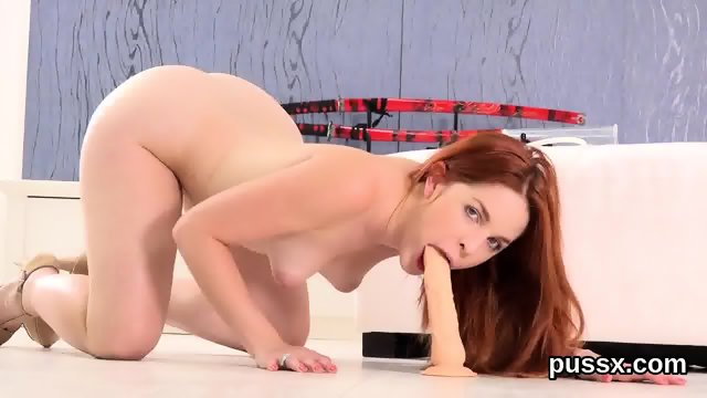 European kitten loves pussy pump and inserts big fuck toy in vulva