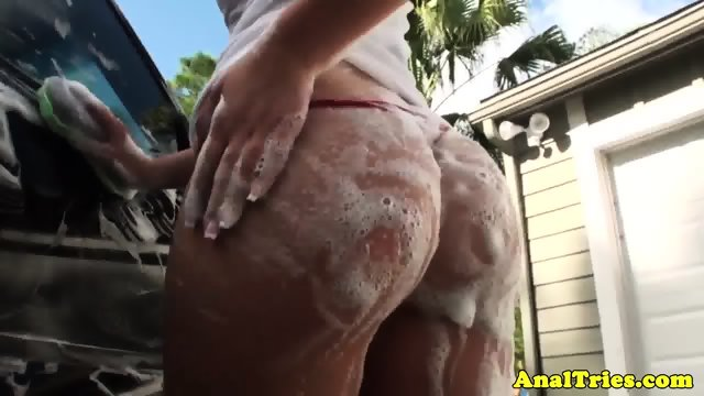 Booty girlfriend outdoors sucking before anal
