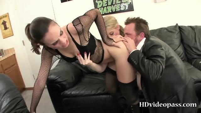 Dirty babes in heat trio