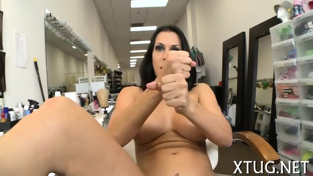 Kinky Whore Shows Her Oral Skills