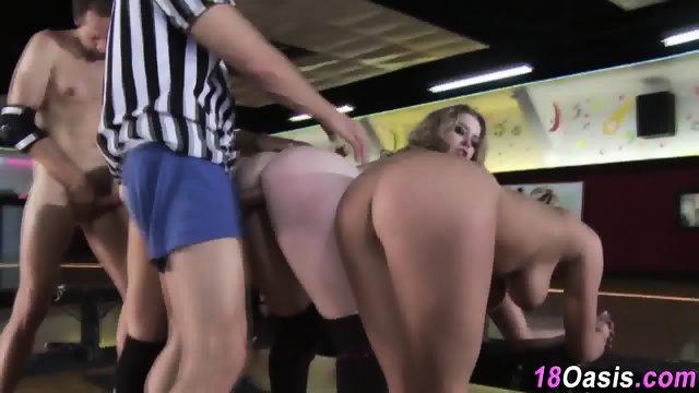 Teen amateurs ride dick