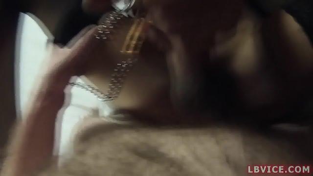 Ladyboy Noon Fucks And Fucked Bareback