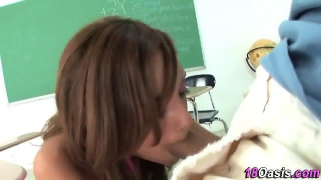 Amateur teen gets oral - scene 1
