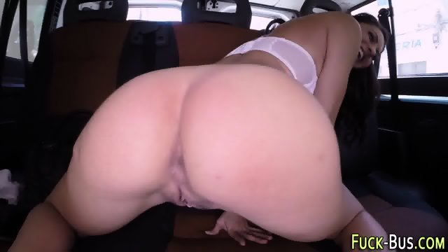 Amateur beauty plays cunt - scene 7