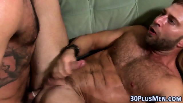 Muscly bear cum creams - scene 11