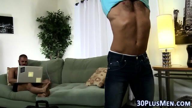 Muscly bear cum creams - scene 1