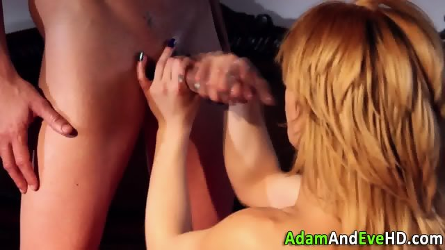Tugging cutie facialized - scene 10