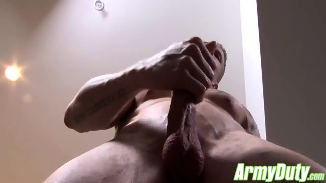 Guy Houstons sexy butt is all muscle firm and very plump - scene 4