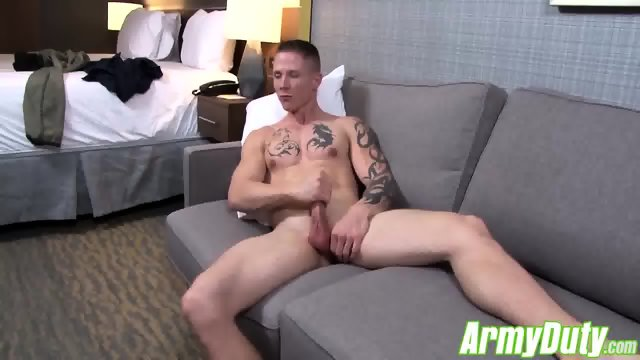 Guy Houstons sexy butt is all muscle firm and very plump - scene 6